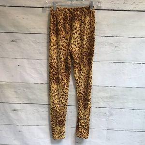 2ba37b46e58992 Women Lularoe Cheetah Leggings on Poshmark
